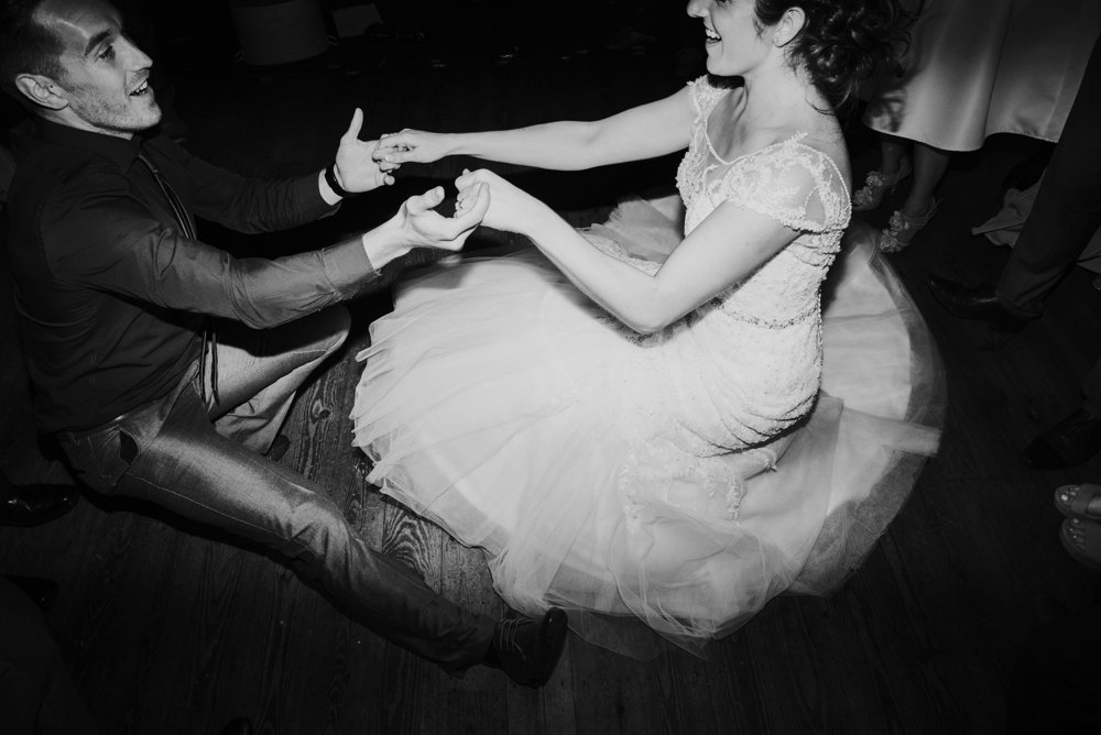 this_and_that_photography_weddingdress-1