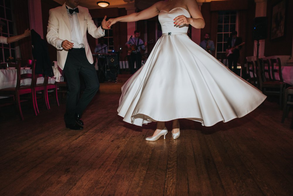 this_and_that_photography_weddingdress-10