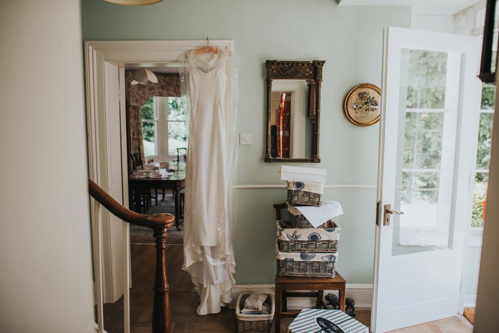this_and_that_photography_weddingdress-16