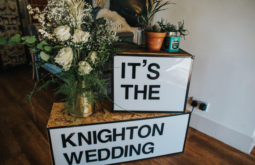 DIY wedding lightbox