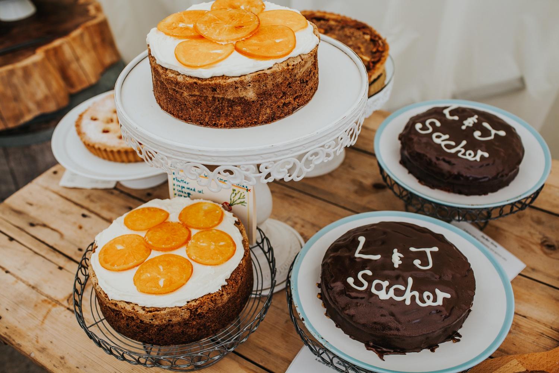 homebaked cakes for wedding